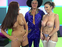 Holly Hudson's sex lesson with Sara Jay in ffm threesome